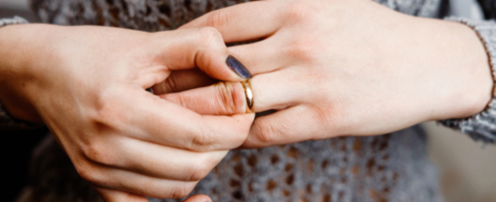 A Private Investigator Describes 3 Signs of a Cheating Partner
